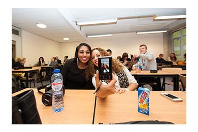 Tijdens een les op Haagse Hogeschool